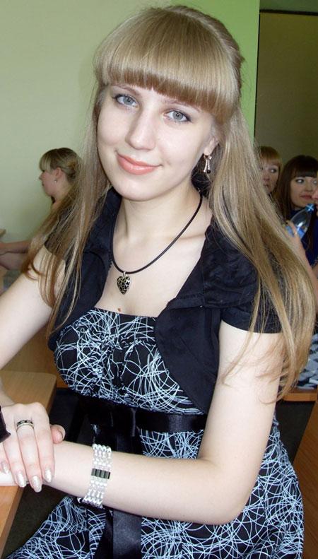 Moldovawomendating.com - Beautiful women pics