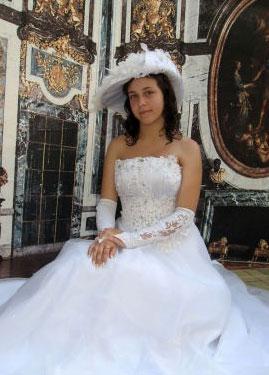 Beautiful women videos - Moldovawomendating.com