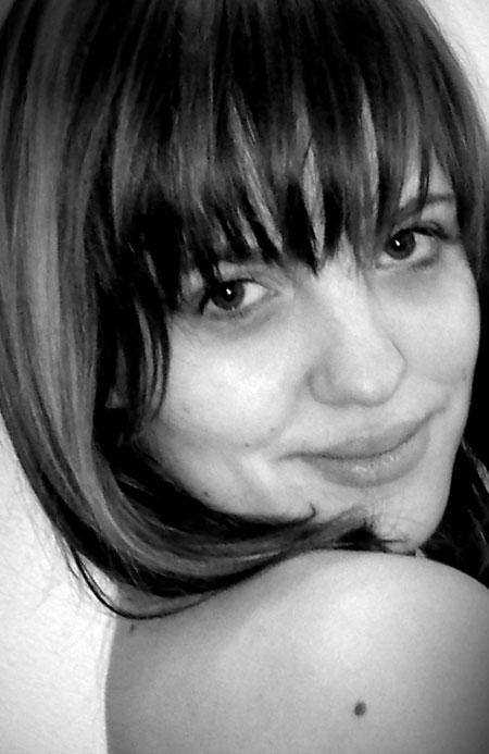 Bride and beautiful - Moldovawomendating.com
