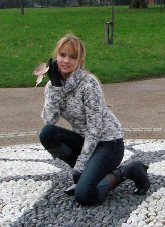Moldovawomendating.com - Female only