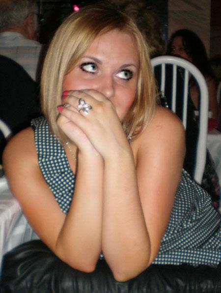 Moldovawomendating.com - Gorgeous women pics