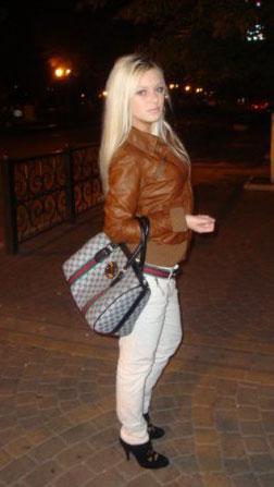 Hot local women - Moldovawomendating.com