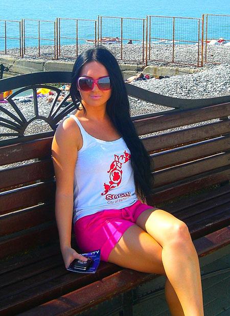 Moldovawomendating.com - Real women pics