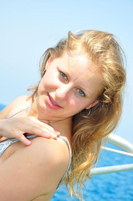 Moldovawomendating.com - Women for men