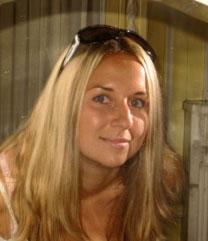 Moldovawomendating.com - Women white